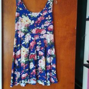 Dresses & Skirts - Soft and comfy skater dress